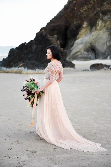 Ethereal Pacific Northwest Beachy Wedding Inspiration   Jessica Lynn Photography 21
