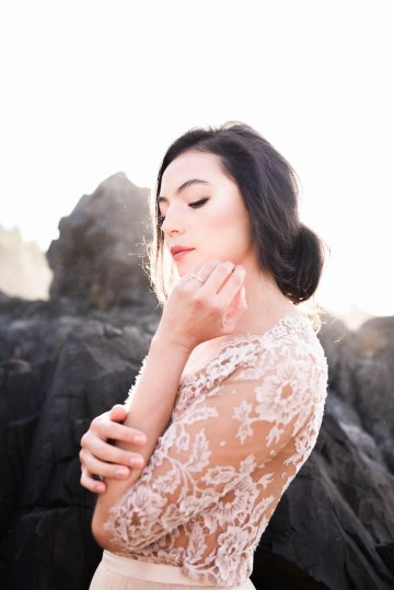 Ethereal Pacific Northwest Beachy Wedding Inspiration   Jessica Lynn Photography 35