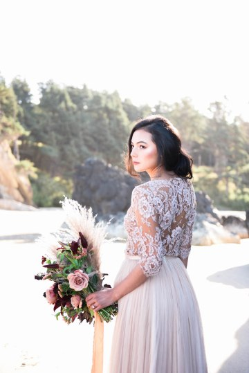 Ethereal Pacific Northwest Beachy Wedding Inspiration   Jessica Lynn Photography 41