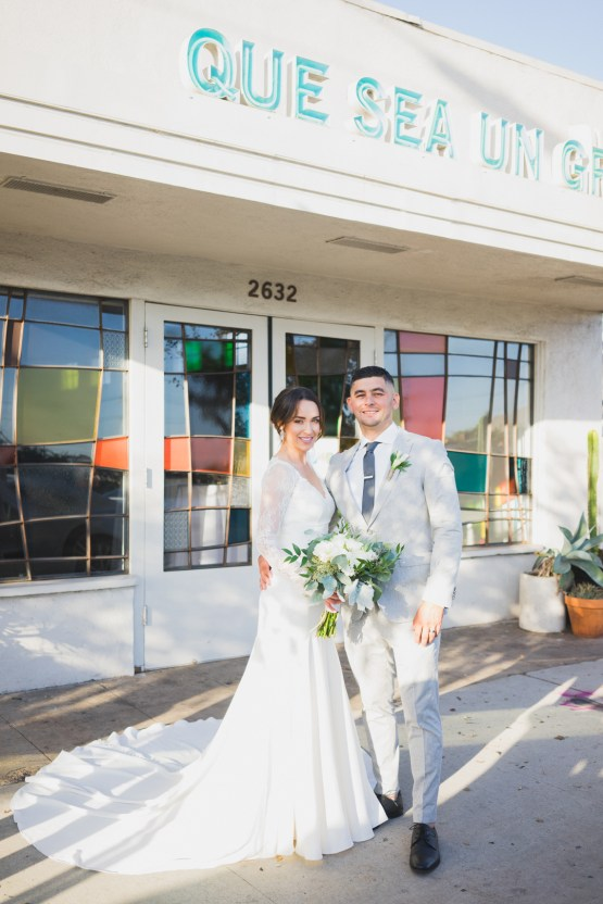 Modern Hip Taco Wedding In A Funky Gallery Venue | Claire Eliza 19