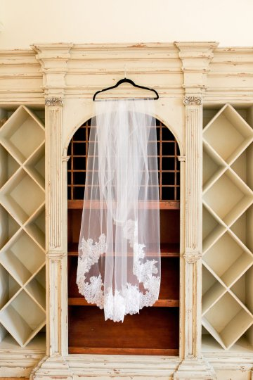 Relaxed Virginia Winery Wedding | Alison Leigh Photography 7