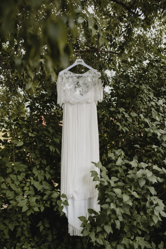 Rustic Barcelona Wedding Featuring Chic Bridal Separates | Visual Foto 23