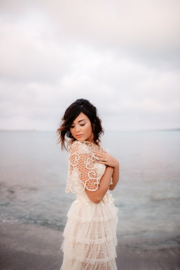 Shipwrecked; Seaside Elopement Inspiration From Sardinia | Valeria Mameli 29