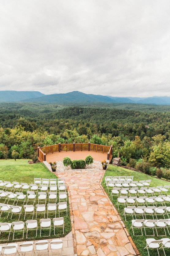 Rustic Carolina Mountain Lodge Wedding | Common Dove Photography 27