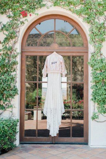 Upscale, Modern Ranch Wedding   Anya Kernes Photography 2