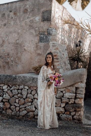 Wild, Spanish Wedding Inspiration For Bohemian Brides | IDO Events | Kevin Klein 23