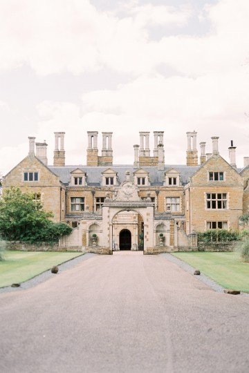 Citrus & Peach Chateau Wedding Inspiration | Lucy Davenport 1
