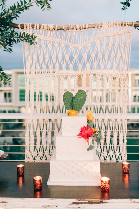 Midcentury Modern Desert Wedding Made Of Boho Dreams | Vienna Glenn 26