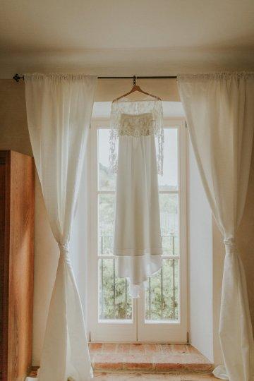 Monstera Leaves & Artichokes; A Hip Slovenian Wedding   Karen Willis Holmes Bridal   Aljosa Videtic 14