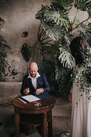 Monstera Leaves & Artichokes; A Hip Slovenian Wedding   Karen Willis Holmes Bridal   Aljosa Videtic 23