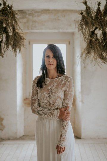 Monstera Leaves & Artichokes; A Hip Slovenian Wedding   Karen Willis Holmes Bridal   Aljosa Videtic 31