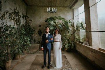 Monstera Leaves & Artichokes; A Hip Slovenian Wedding   Karen Willis Holmes Bridal   Aljosa Videtic 8