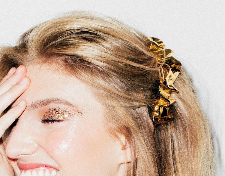 3ae73df783faf 18 Best Bridal Headpieces From Bridal Fashion Week: Editor's Choice