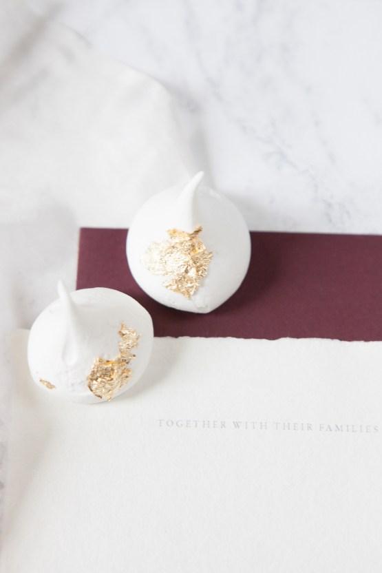 Swanky London Wedding Inspiration Filled With Pretty Dessert Ideas | Amanda Karen Photography 16