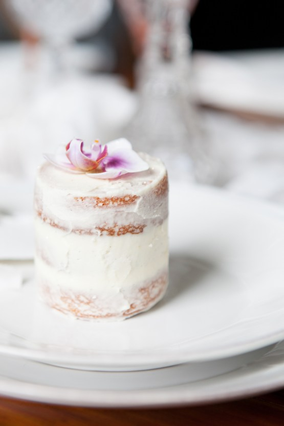Swanky London Wedding Inspiration Filled With Pretty Dessert Ideas | Amanda Karen Photography 24