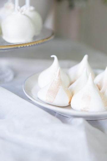 Swanky London Wedding Inspiration Filled With Pretty Dessert Ideas | Amanda Karen Photography 28