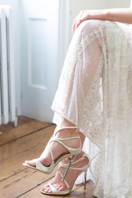 Swanky London Wedding Inspiration Filled With Pretty Dessert Ideas | Amanda Karen Photography 51