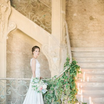 Ornate Candelit Peach & Blue Wedding Inspiration | Gabriela Jarkovska 28