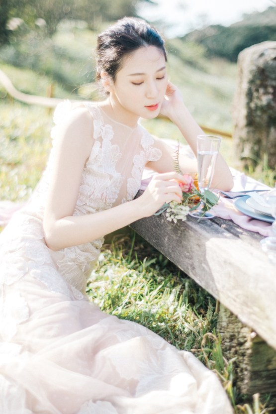 Whimsical Meadow Wedding Inspiration With Dried Florals | Olea & Fig Studio | The Stage Photography 11