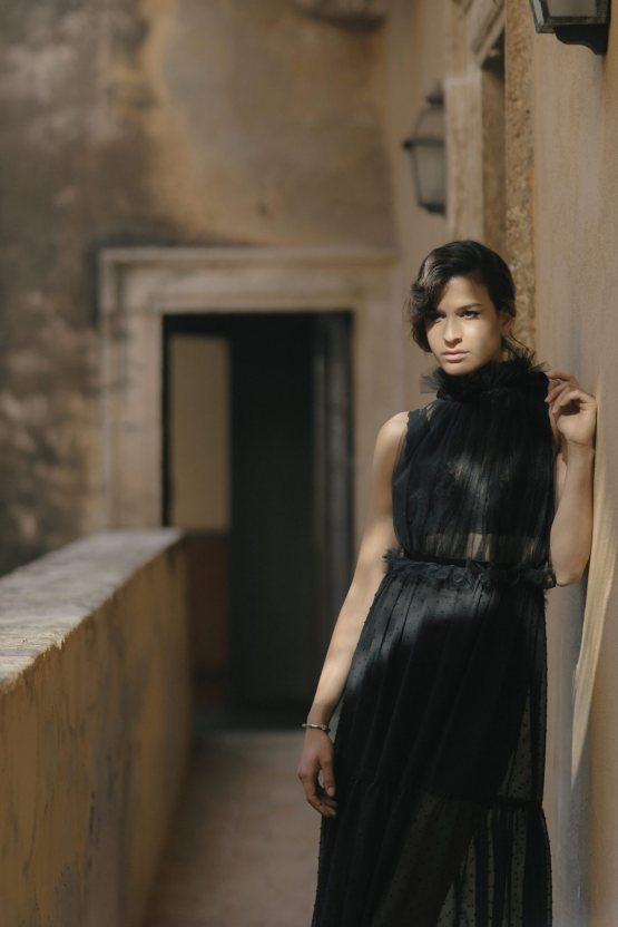 Ancient Rome Meets Mod Yellows & Sophisticated Black In This Timeless Wedding Inspiration | Cinzia Bruschini 27