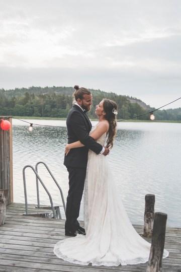 Relaxed & Woodsy Swedish Island Wedding | Sara Kollberg 10
