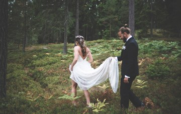 Relaxed & Woodsy Swedish Island Wedding