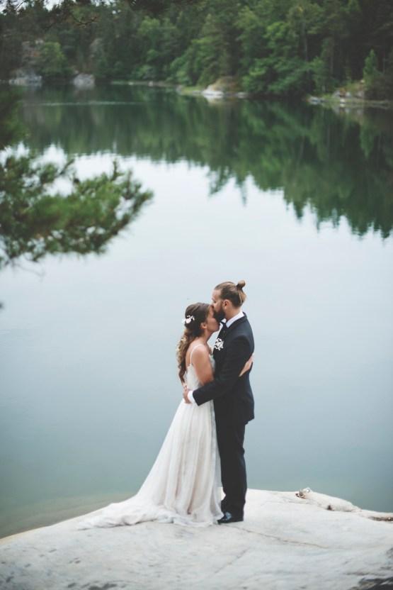 Relaxed & Woodsy Swedish Island Wedding | Sara Kollberg 2