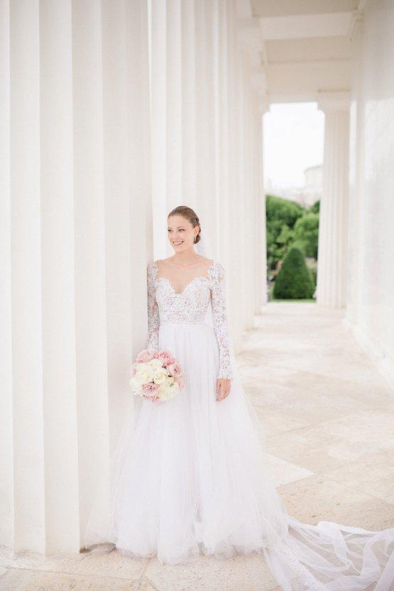 An Elegant Royal Vienna Destination Wedding | A Very Beloved Wedding | Sandra Aberg 17