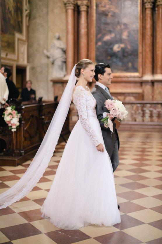 An Elegant Royal Vienna Destination Wedding | A Very Beloved Wedding | Sandra Aberg 9