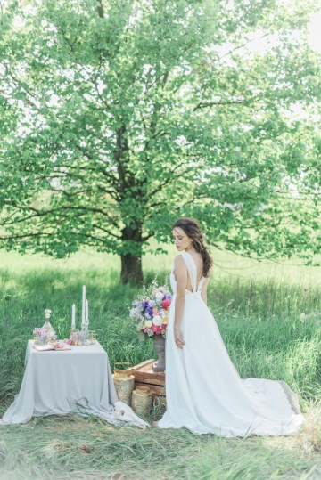 Beltane Goddess Bridal Inspiration With Lilacs And Horses – Gabriela Jarkovska 19