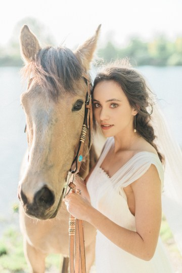 Beltane Goddess Bridal Inspiration With Lilacs And Horses – Gabriela Jarkovska 33
