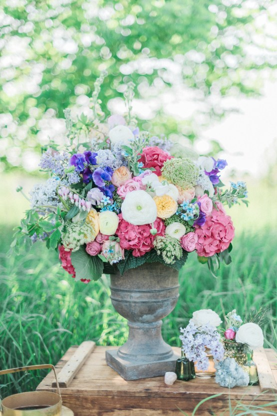 Beltane Goddess Bridal Inspiration With Lilacs And Horses – Gabriela Jarkovska 9
