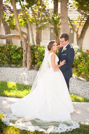 Elegant Pretty Pink Beach Wedding | Stephanie Smith 26