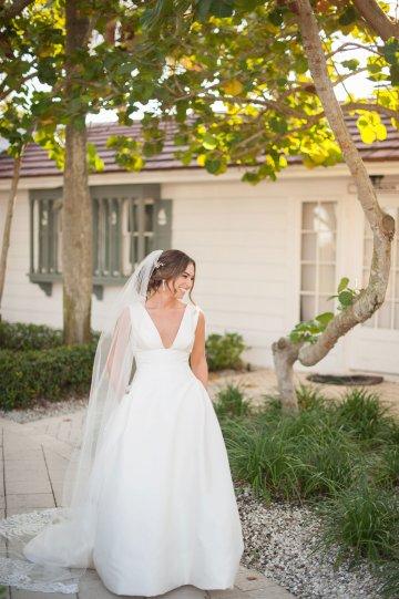 Elegant Pretty Pink Beach Wedding | Stephanie Smith 35