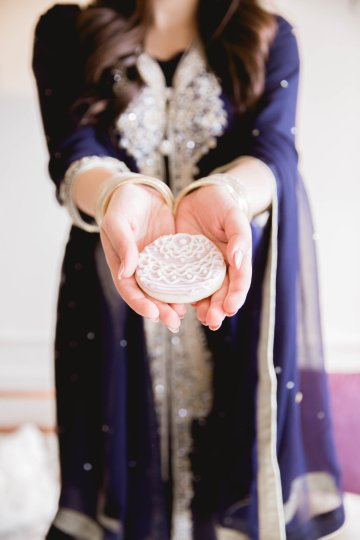 Multicultural Purple and Gold Bollywood Wedding Inspiration – Willow and Ivy Events – Zainab Rikabi 15