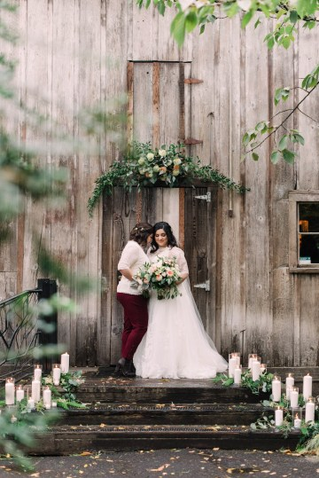 Rustic Barn Wedding Filled With Greenery | Deyla Huss Photography 17