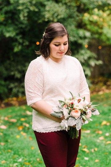Rustic Barn Wedding Filled With Greenery | Deyla Huss Photography 36