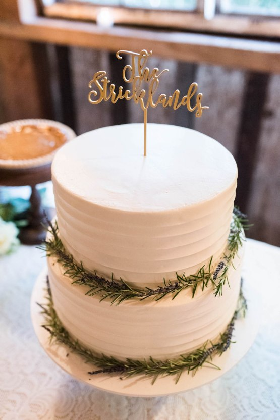 Rustic Barn Wedding Filled With Greenery   Deyla Huss Photography 43