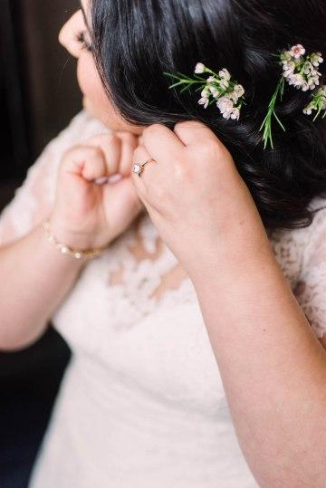 Rustic Barn Wedding Filled With Greenery | Deyla Huss Photography 9