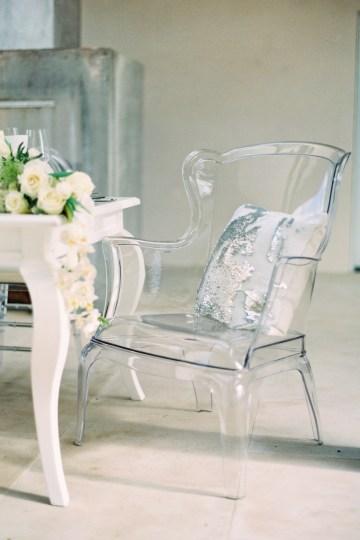 Lucite Love Meets Floral Sculptures; Modern Artistic Wedding Inspiration   Allen Tsai Photography