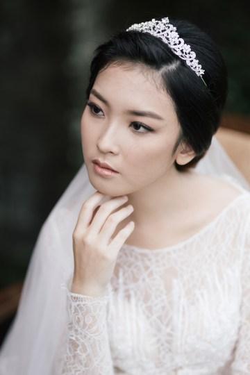 Zen Balinese Wedding Inspiration With A Dazzling Tiara   Nej Photo   Chere Weddings 12