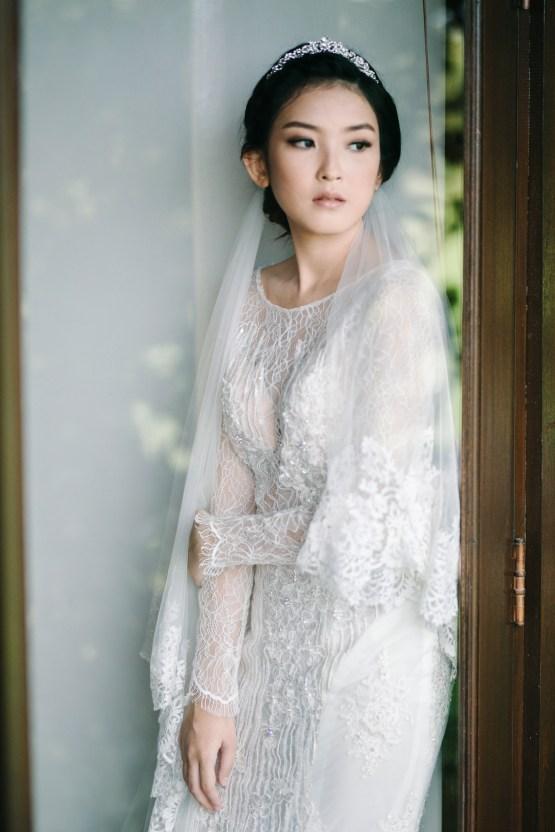 Zen Balinese Wedding Inspiration With A Dazzling Tiara | Nej Photo | Chere Weddings 34