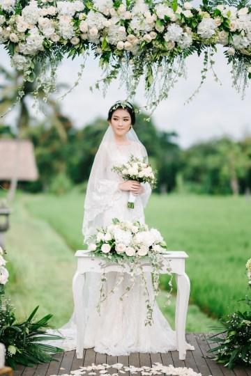 Zen Balinese Wedding Inspiration With A Dazzling Tiara   Nej Photo   Chere Weddings 35