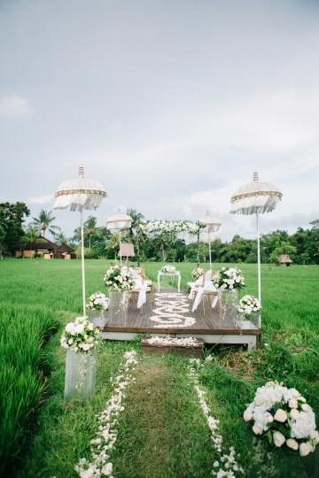 Zen Balinese Wedding Inspiration With A Dazzling Tiara   Nej Photo   Chere Weddings 40