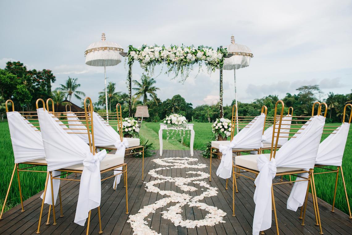 Zen Balinese Wedding Inspiration With A Dazzling Tiara | Nej Photo | Chere Weddings 5