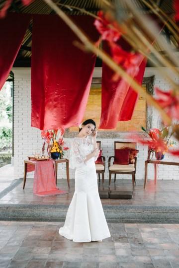 Zen Balinese Wedding Inspiration With A Dazzling Tiara   Nej Photo   Chere Weddings 54