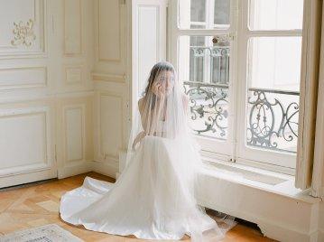 Elegant Blush Parisian Bridal Inspiration Featuring Luxurious Veils and Boudoir Ideas – Bonphotoge 65