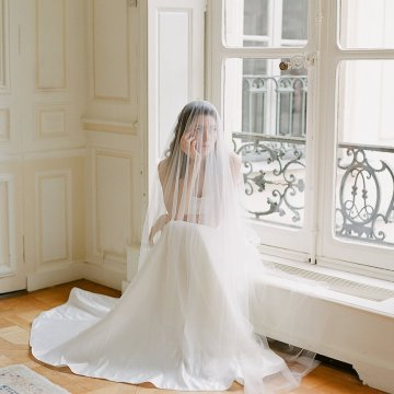 Elegant Blush Parisian Bridal Inspiration Featuring Luxurious Veils and Boudoir Ideas – Bonphotoge 65