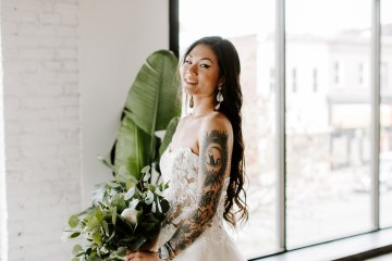 Minimal Tropical Wedding Inspiration With A Surprising Fresh Dinner Idea – Alicia Wiley 46