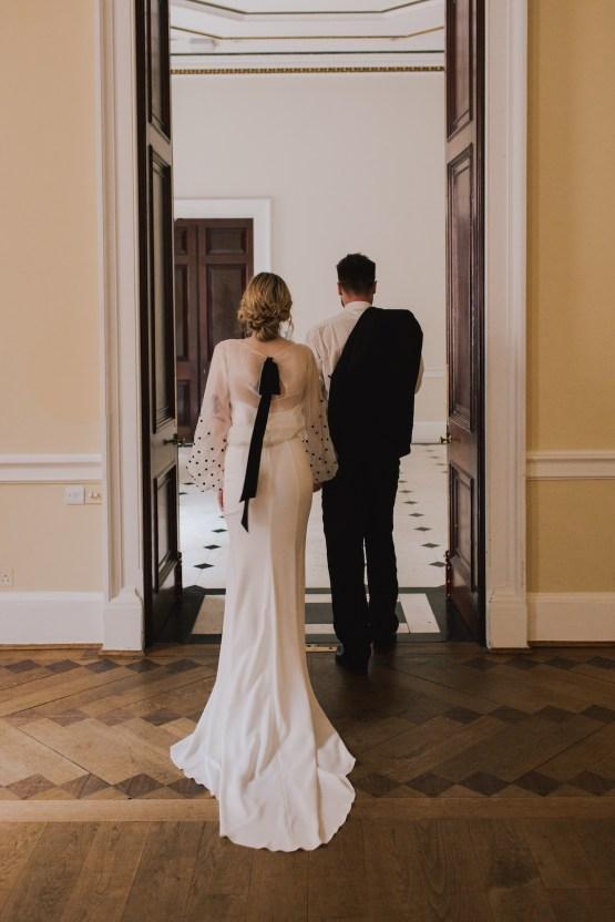 Modern Minimalistic London Wedding Inspiration – Blonde Army – Lisa Jane Photography 38